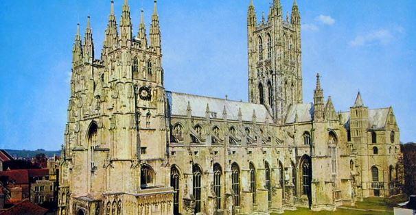 Celebre per la cattedrale e paese natio di Sant Agostino di Canterbury