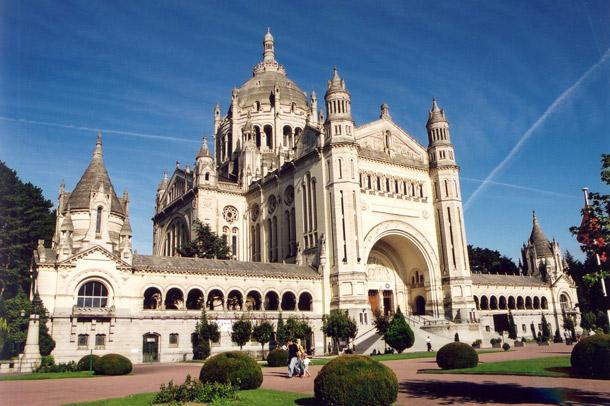 la basilica di lisieux